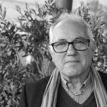 El poeta José Ramón Ripoll en Versos sobre el Pentagrama (Imagen extraída de https://www.diariodecadiz.es)