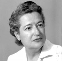 La poeta Carmen Conde (Fotografía extraída de www.biografiasyvidas.com)
