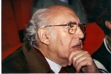 El poeta Rafael Morales. Foto extraída de babelmatrix.org
