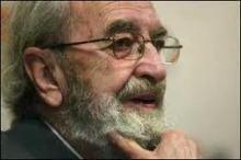 El poeta asturiano Ángel Gonzalez