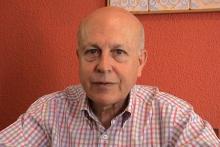 El poeta Javier Lostalé (Foto extraída de www.conoceralautor.com)