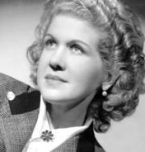 La poeta, cantante, guionista y actriz Josefina de la Torre